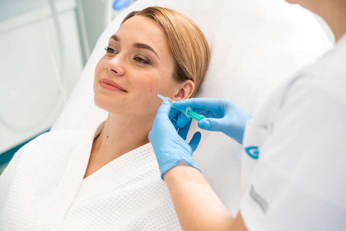 Плазмоліфтінг: Ефективне омолодження і лікування шкіри